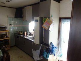 今まで北側にあったキッチンは寒くて暗い感じでした。