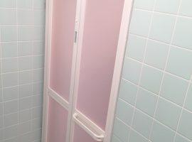 浴室ドアを折り戸へリフォーム!
