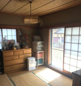 元久ついていた障子を外して、掃出窓と腰高内の2窓に内窓(二重窓)を取り付けます。