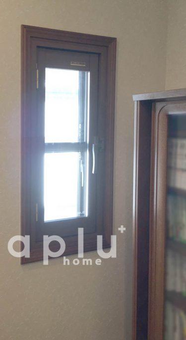 YKK プラマードU内開き窓(E9)複層3+A12+3<br /> <br /> ピッタリと納まりました。