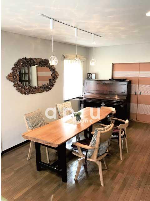 ライティングレールを新規設置!<br /> 家具を引き立てるアンティークペンダントをご提案。