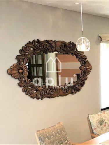 クロス貼替え後には、ステキな鏡も引き立ちます!